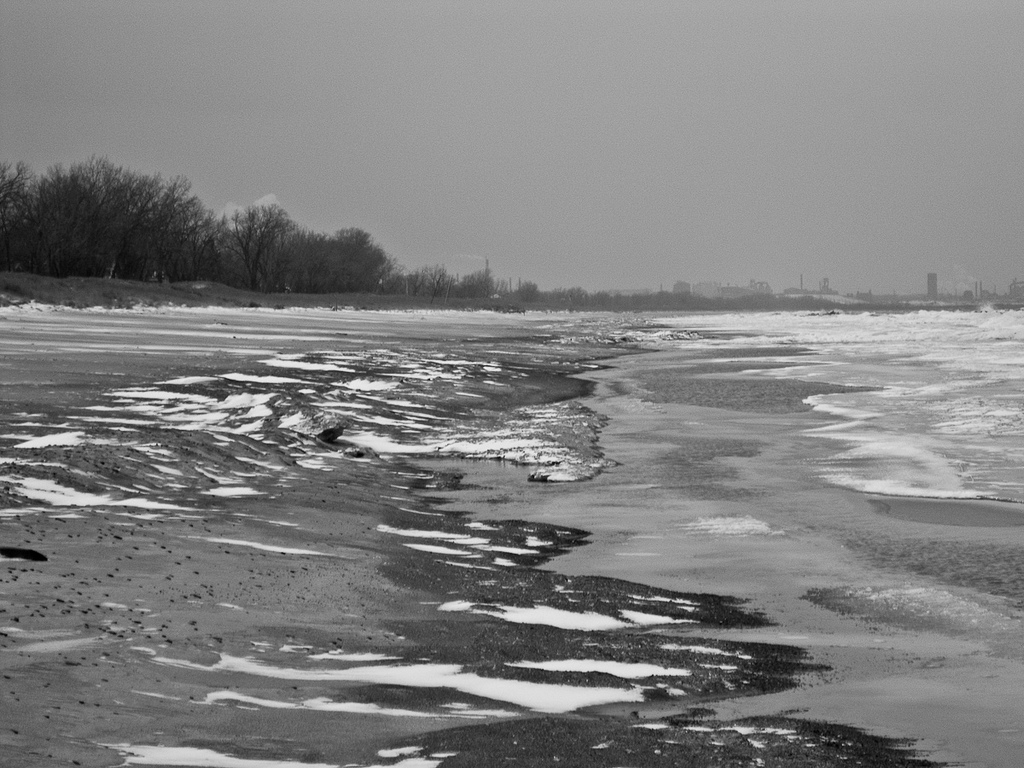 Frozen Lake Michigan by Steve Johnson, flickr
